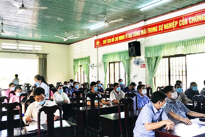 Xã lồng ghép tuyên truyền phòng, chống tác hại thuốc lá cho người dân tại các cuộc họp.
